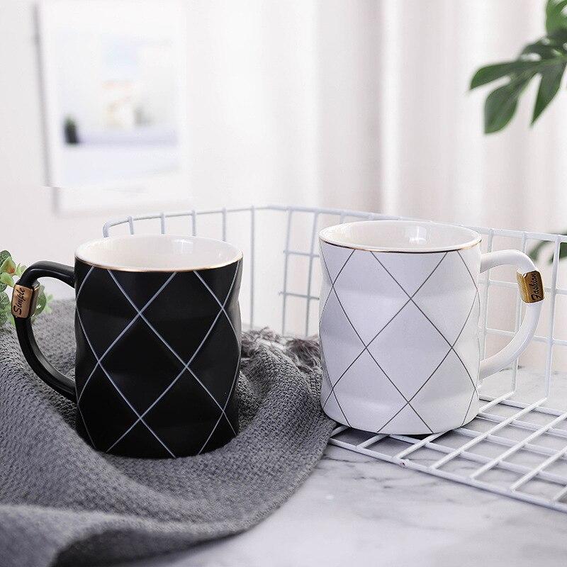 Керамическая кофейная кружка в скандинавском стиле с золотой черно-белой сеткой и геометрическим узором, фарфоровая чашка для сока, напитк...