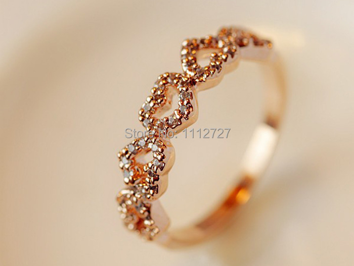 New Selling Five Peach Heart Ring Female Refined Love Ring Finger