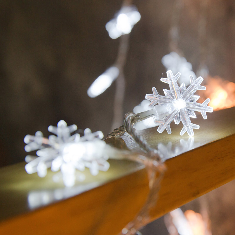 snowflake string lights 4665434777_897662015