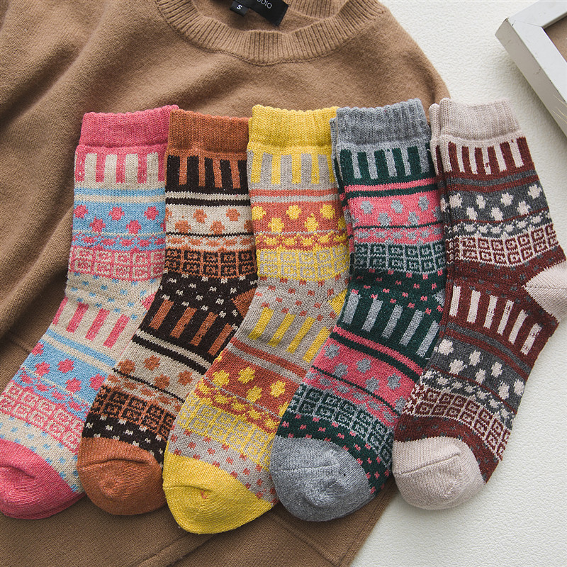 Winter New Women's Fashion Harajuku Retro Wool Socks Thick Warm High Quality Cotton Casual Socks 5 Pairs