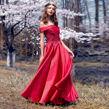 Купить с кэшбэком 2018 New Arrived Long Evening Dresses Elegant Appliques Lace Boat Neck Banquet Sexy Formal Party Gown robe de soiree