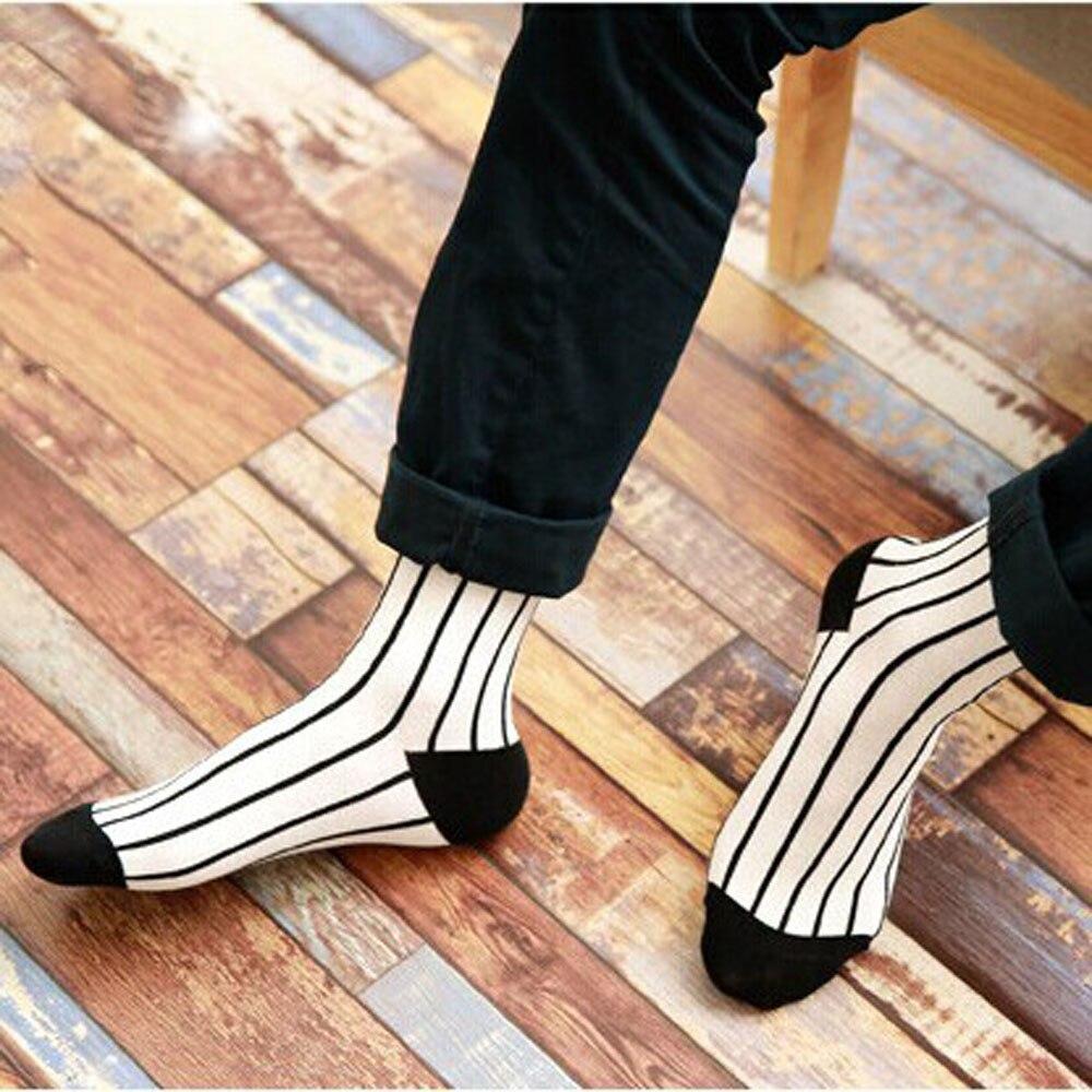 Summer New retro classic black and white cotton   socks   Creative   socks   wholesale women   socks