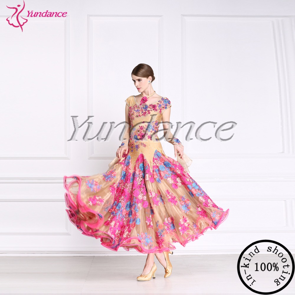 Mujeres estándar Salón Vestidos Niñas lycra stretchy traje adulto ...