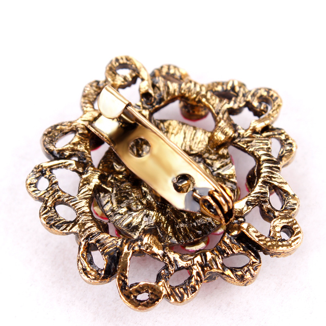 Gold Color Plated Crystal Rhinestones Flower Brooch