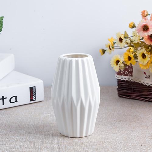 Nordic Stylish Small White Ceramic Vases European Fashion Ceramic