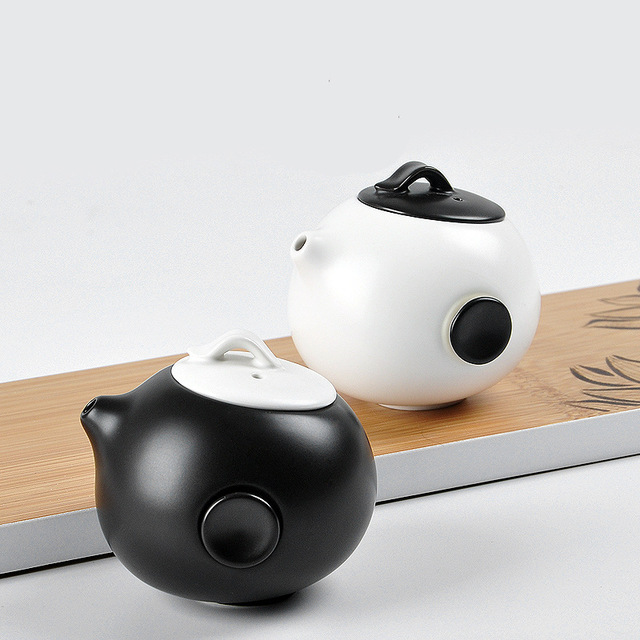 Black And White Creative Ceramic Puer Gaiwan Teapot Lovely Portable Kung Fu Tea Set Home Decoration