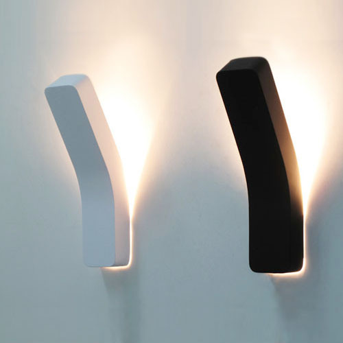 Breve moderna personalizada caja de hierro dormitorio apliques lámparas de pared deco hogar creativo 3W LED control remoto aplique de pared