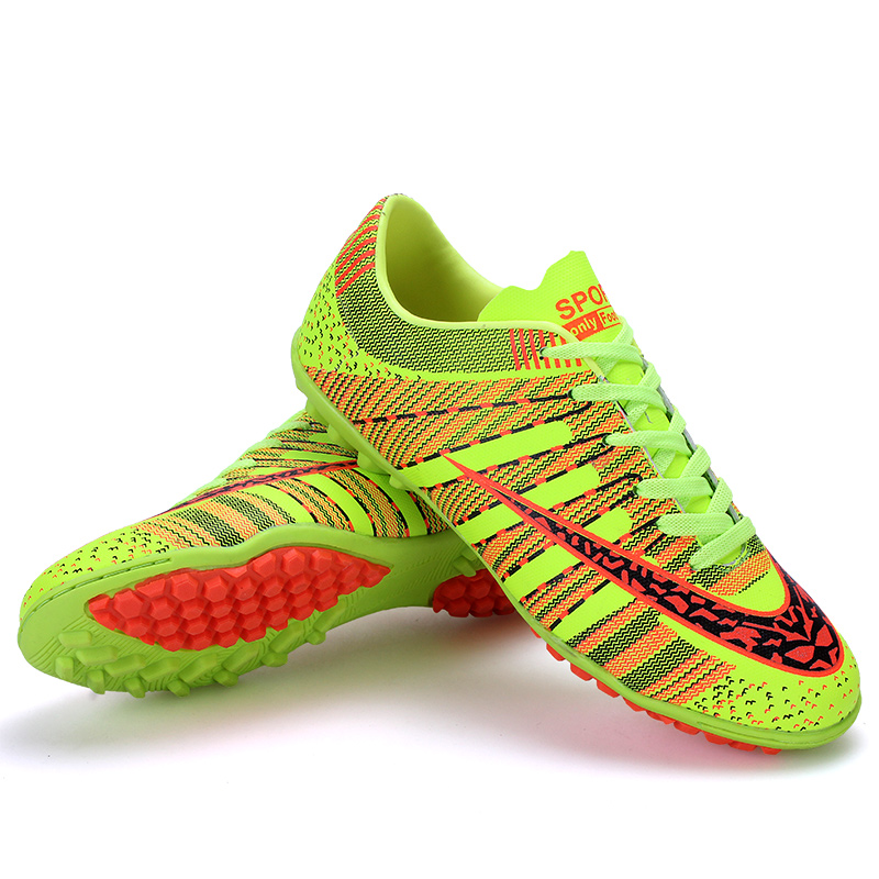 973eec206e2 Men Soccer Shoes Indoor Futsal Shoes Boys Football Boots Kids Zapatillas  Deporte Mujer Chaussure De Foot Plus Size 33 45 S161-in Soccer Shoes from  Sports ...