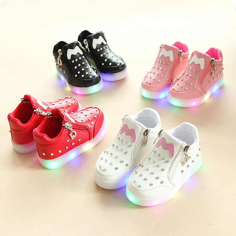 เด็กอ่อนเด็กทารกคริสตัล Bowknot LED รองเท้าส่องสว่างรองเท้าผ้าใบโบว์ผีเสื้อน่ารักสวมใส่สบายๆสีขาวรองเท้า SH19050