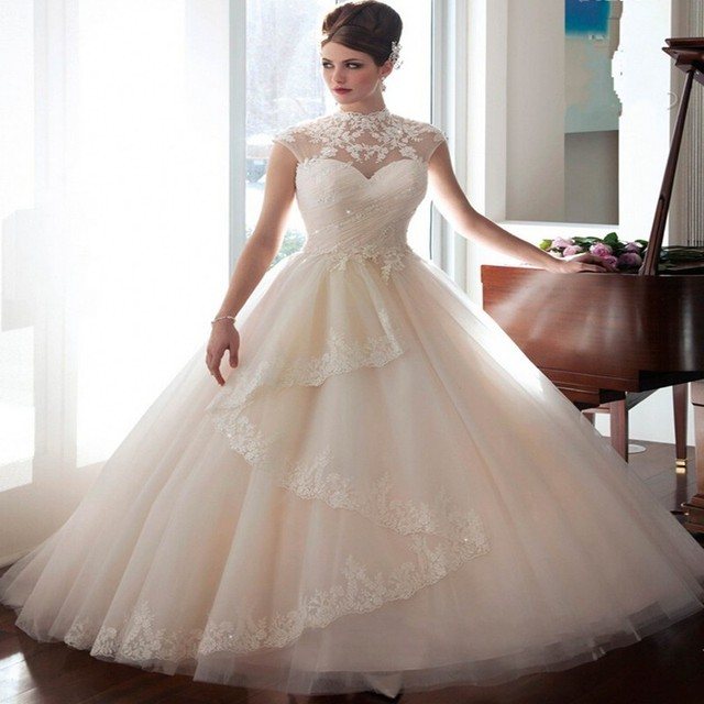 Selling Wedding Dresses High Collar Applique Button Tailing Bride ...