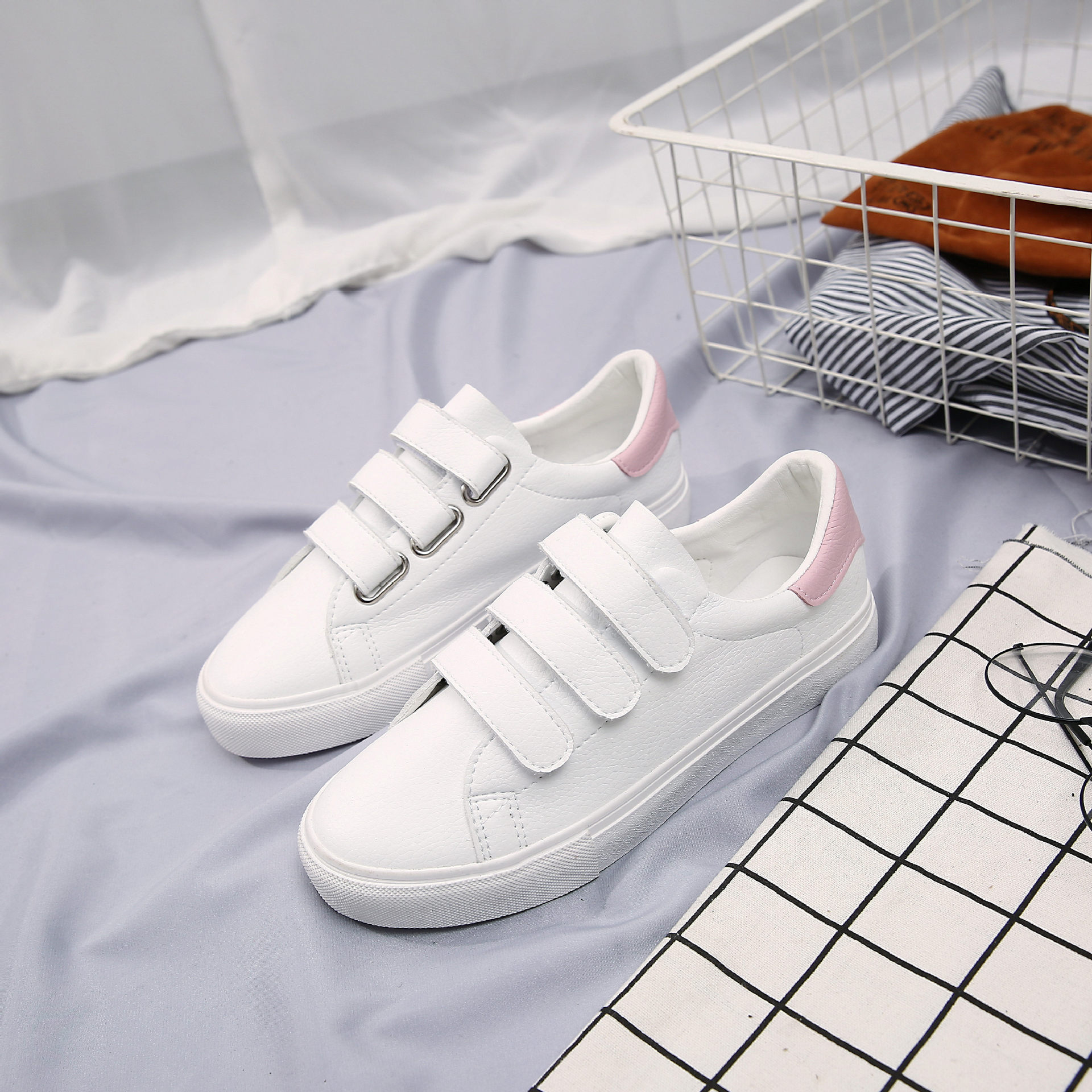2018 New Women Shoes Spring Autumn Female White Shoes Leather Lady Sneakers All Match Hook Loop Zapatillas Mujer Casual Shoes цены онлайн