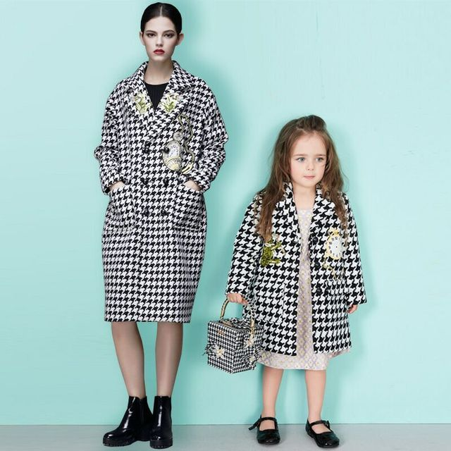 2017 Winter cotton Long Sleeve Swallow gird Family Outfit Matching Girls mother daughter Jacket outcoat Kids Houndstooth Outwear