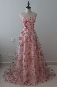 Image 4 - Deep V Neck 3D Floral Print Long Prom Dresses 2019 Blush Pink Flower Evening Dress Spaghetti Straps Criss Cross Back Party Gowns