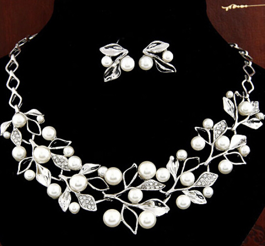 Fashion Pearl Necklace Gold Chain Jewelry Sets Choker Necklace Wedding Necklaces and Earrings for Women 041