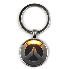 Fashion Cool Super Game Logo Key Chain Retro Picture Glass Pendant Key Ring Cap Backpack OW Player Memory Keychain Souvenir Gift letra g bem bonita
