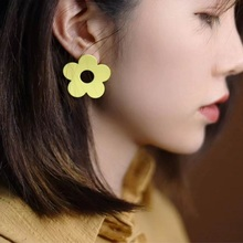 Simple Big Hollow Out Flower Earrings For Women 2019 Summer Holiday New Fashion pendientes chic hollow out flower rhinestoned brooch for women