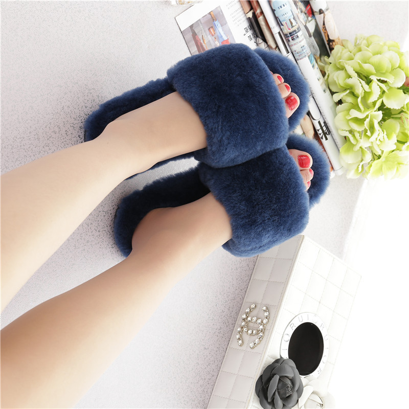 Womens Sheep Fur Flat Slipper Beach Sandals Real Fur Flats Flip Flop Indoor Outdoor Female Shoes Comfortable Fashion Slides