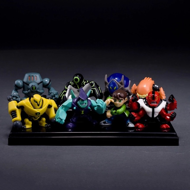 8 Pieces 5 CM Ben 10 novo Protetor da Terra Da Família de alta qualidade Figuras de Ação Brinquedos Brinquedos frete grátis