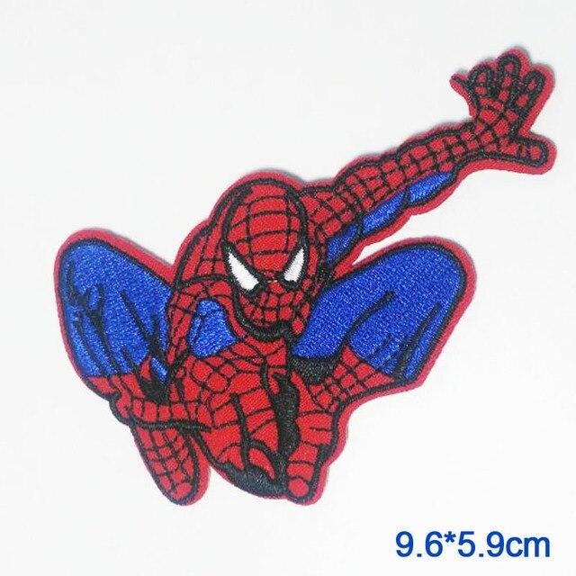 Cartone animato rosso punk ferro su avengers spiderman scudo