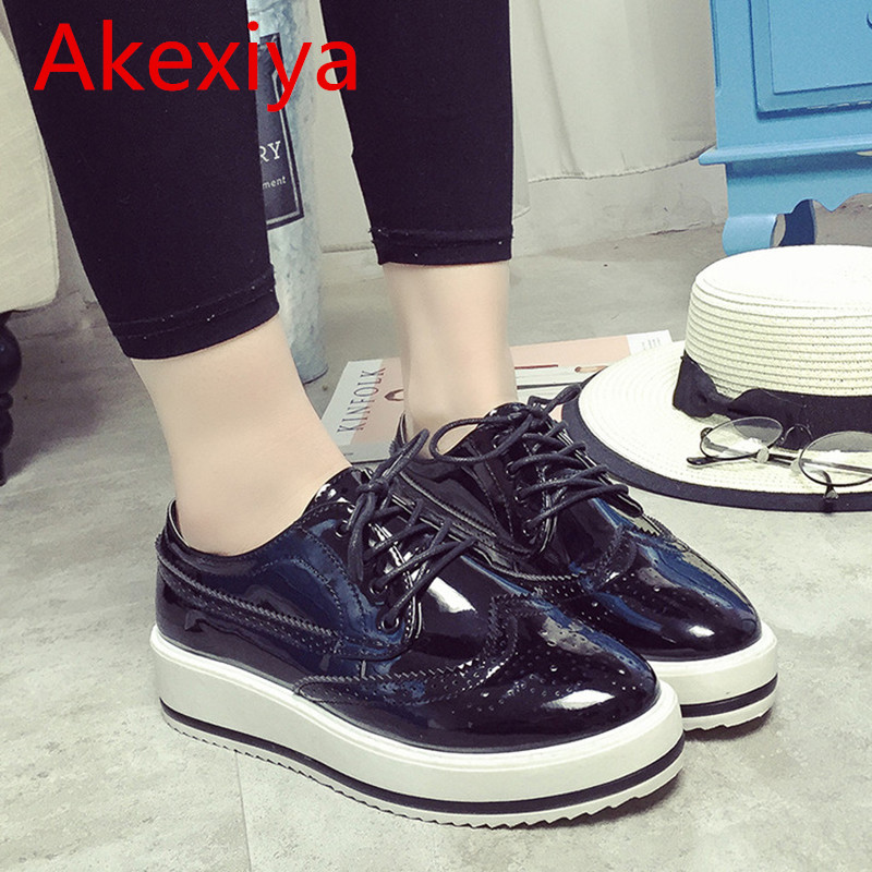 Akexiya Patent Leather Oxfords Woman 2017 Platform Shoes Woman Spring Creepers Autumn Flats Casual Lace-Up Woman , Brogue Shoes bling patent leather oxfords 2017 wedges gold silver platform shoes woman casual creepers pink high heels high quality hds59