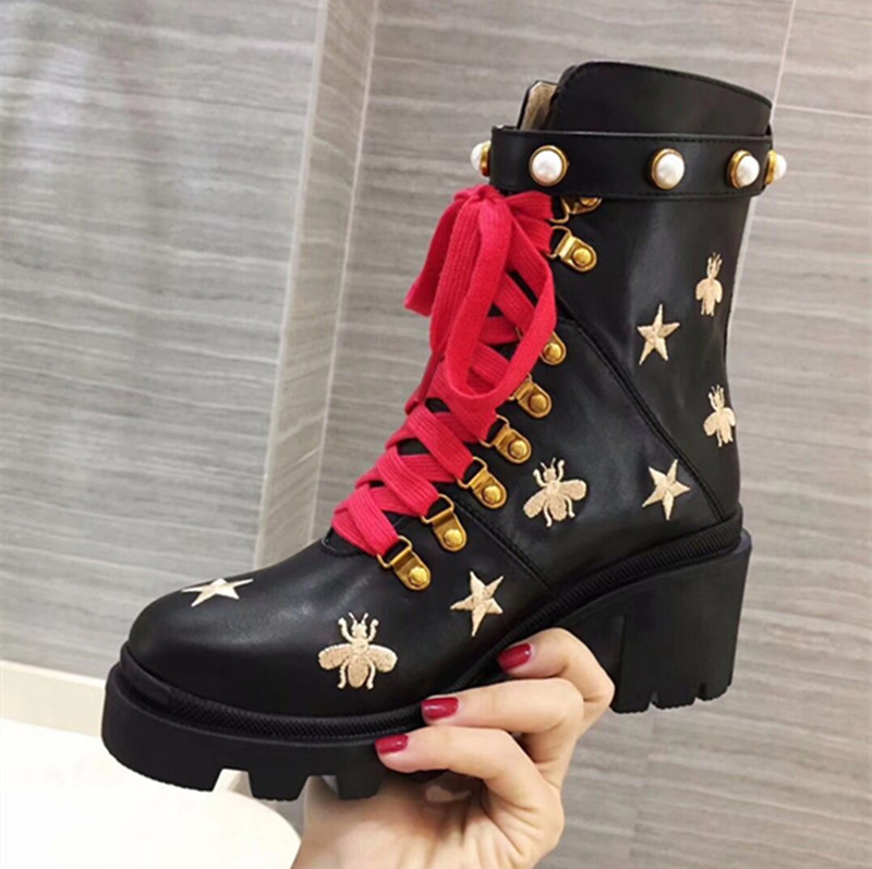 Leather Women Boots Gold Embroidered Animal Star Pattern Short Booties Pearl Decor Women Ankle Boots Round Toe Fur Winter Shoes цена 2017