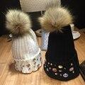 Moda espumante paillette diamante malha pompons de pele de coelho bola pompom chapéu feminino tampão do inverno chapéus engraçados para mulheres tampas