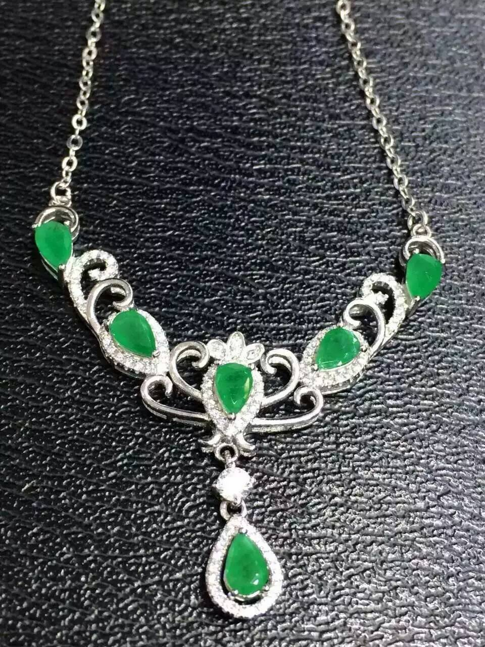 Natural green emerald Necklace Natural Gemstone Pendant Necklace 925 sliver women Luxury trendy Crown women party fine JewelryNatural green emerald Necklace Natural Gemstone Pendant Necklace 925 sliver women Luxury trendy Crown women party fine Jewelry