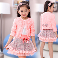 Nueva moda de primavera y otoño de los niños niñas de corea ropa de la princesa chaqueta de punto floral 100% algodón que basa la camisa 3 unids ropa de encaje conjunto