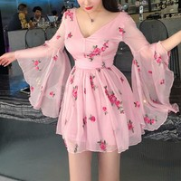 2019 New Summer Vintage Bandage Flowers Embroidery Dress Women Pink Long Flare Sleeve V Neck Dress Vintage Sexy Party Dresses