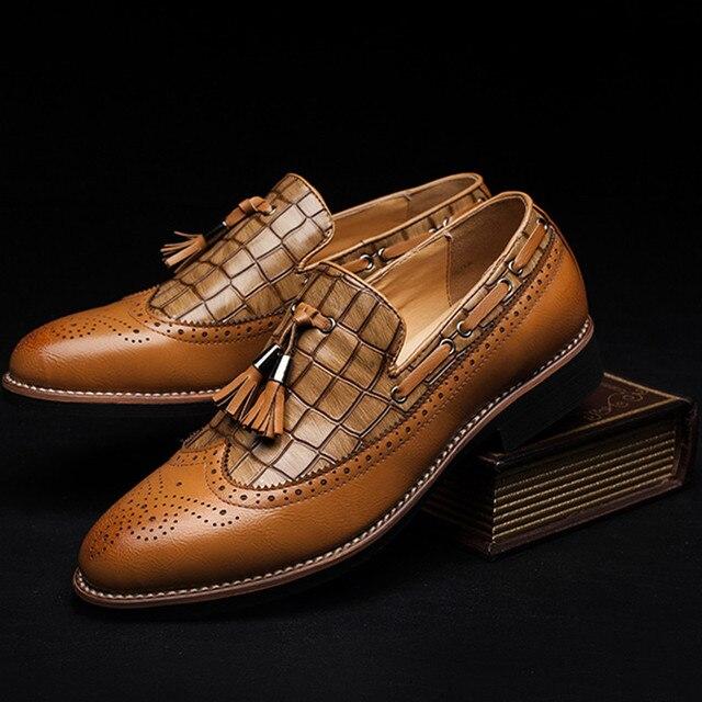 2017 famoso calzado hombres de marca de lujo italiana zapato de vestir  casual cuero genuino brogue 7c752bf9d1aa