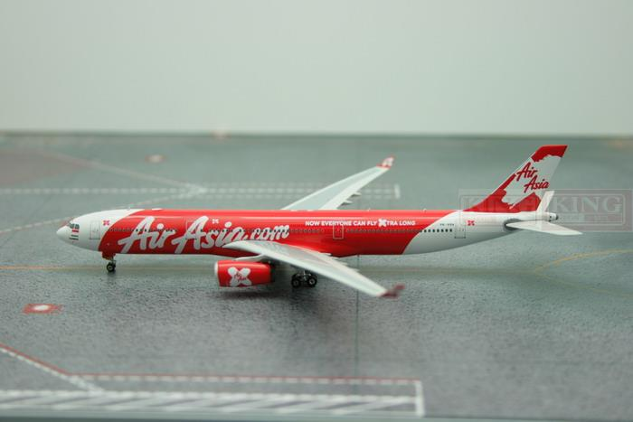 Phoenix 11007 Asian aviation PK-XRA A330-300 Indonesia 1:400 commercial jetliners plane model hobby цена