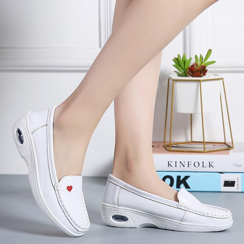 Dames Rond En Femmes Moccains Printemps Sur Chaussures Véritable Mocassins Sneakers Blanc Creepers Cuir Glissement Appartements Infirmière Bout Plat I7dvHq