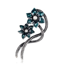 Women Simulated Pearl Brooches Elegant Two Flowers Pin Wedding Bouquet Brooch For Men Party Dress Coat Jewelry Accessories цена в Москве и Питере