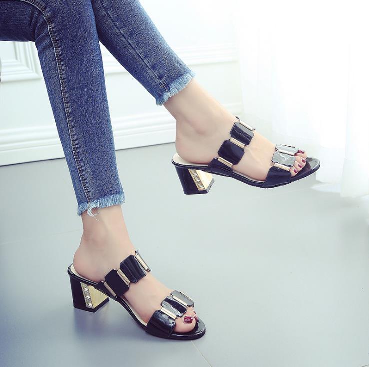 Talons D'été Taille Chaussures Sauvage Femmes Coréenne Hauts Grande Avec La 2018 blanc Version Nouvelle De Noir Sandales Mode nw80PkO