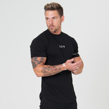 ZOGAA Brand New Men's T-shirt Color Block O-neck T Shirt Men Fashion Tshirts Fitness Casual For Male T-shirt Slim Fit Tee S-3XL недорого