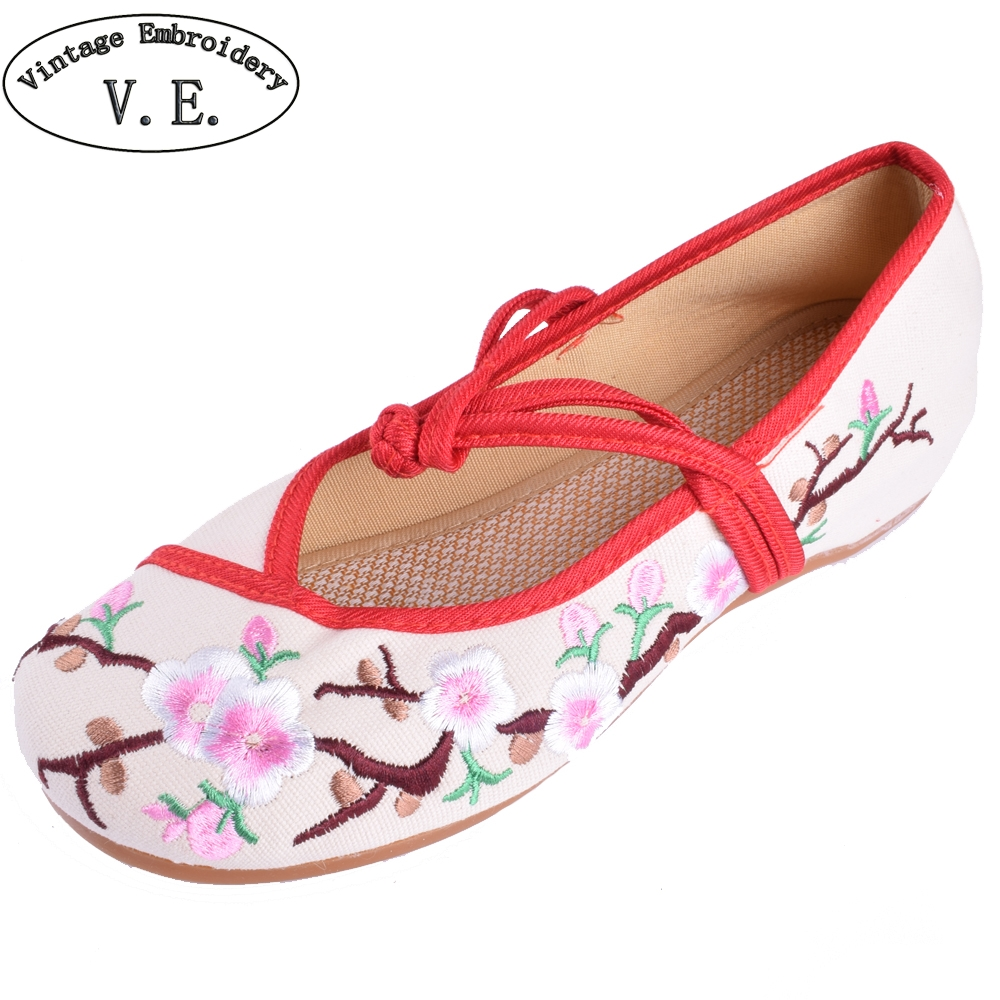 Women's Flower Embroidered Flats Shoes Cotton Flats Heel Casual Shoes Comfortable Soft Canvas Shoes Plus Size 41 vintage embroidery women flats chinese floral canvas embroidered shoes national old beijing cloth single dance soft flats