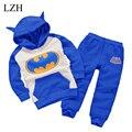 Roupas de bebê Menino Set 2016 Outono Nova Roupas Da Moda Crianças Meninos Batman 2 pcs Com Capuz + Calça Meninas Terno Do Esporte Conjunto de Roupas infantis