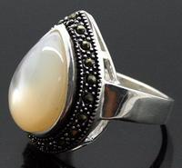 Unsex 25 20mm RARE NATURAL WHITE SHELL GEMS MARCASSITE 925 STERLING SILVER RING SIZE 7 8