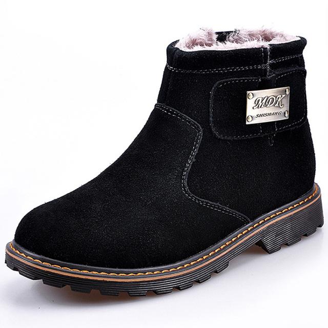 2017 Venda Quente de Inverno Botas de Neve de Camurça de Couro do Tornozelo BootsWarm homens Casuais Sapatos Rasos Homens Quente Não-deslizamento Sapatos de Algodão 100 ZYH