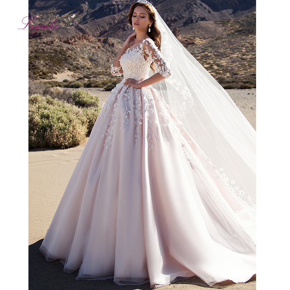 Liyuke 2019 Married Wedding Dress Winter Ball Gown Scalloped Neck Lace Appliques Three Quarter Sleeves Customized Floor-length