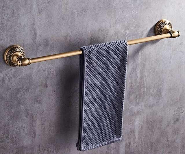 Set of bathroom accessories carved in antique bronze