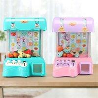 Mini-catch doll máquina para crianças casa pequena música agarrando pendurado doces clipe bonecas twisted ovo líquido brinquedo vermelho cor aleatória