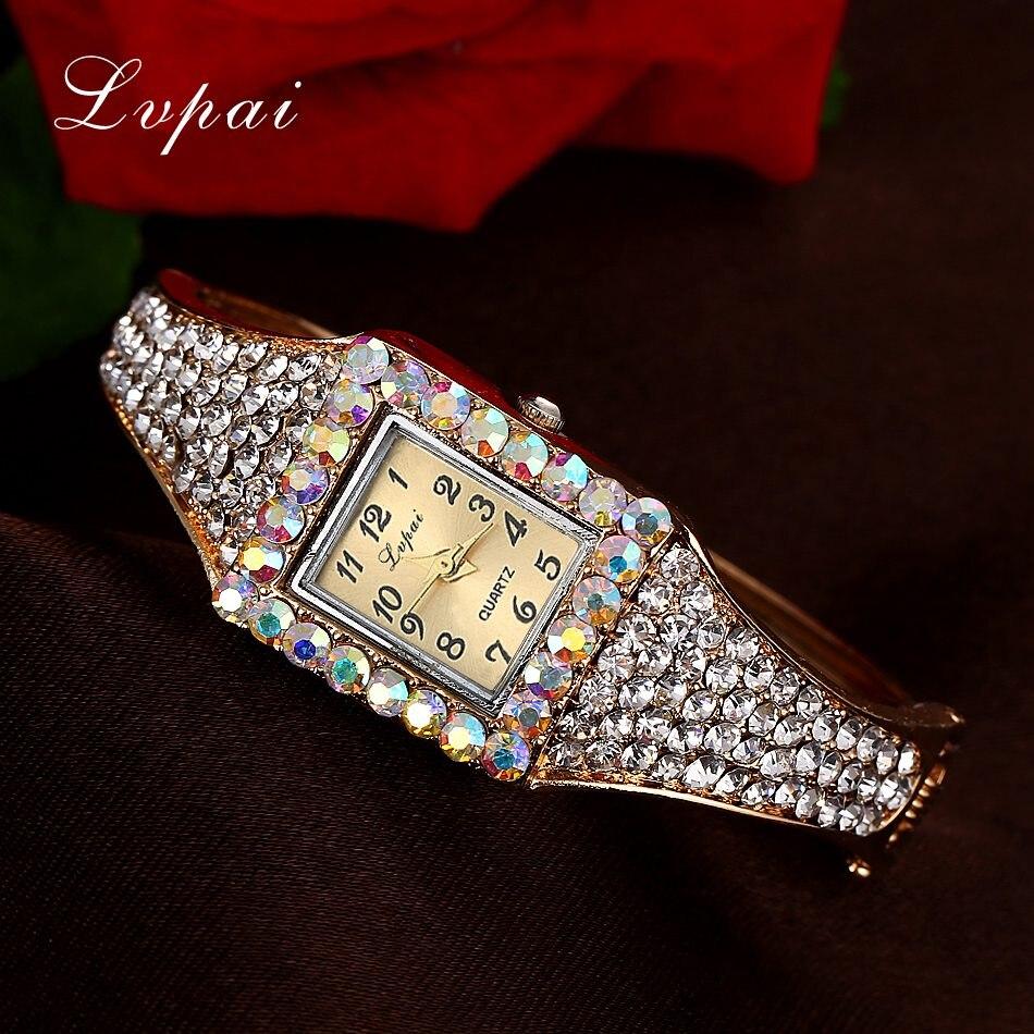 1411c23a32d4 SK de moda de marca de lujo de las mujeres reloj de cuarzo creativo Delgado  señoras