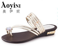 2017 Summer Hot Sale Women Sandals Fashion Rhinestone Women Beach Sandals Shoes New Sandals