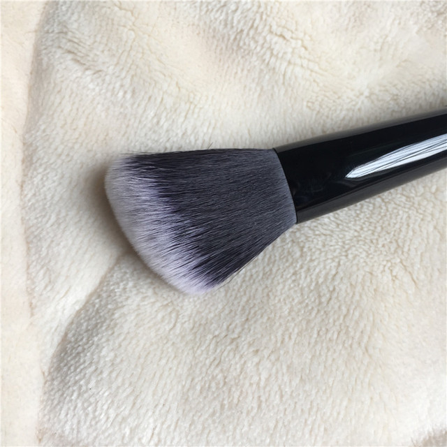 K-Series Shade Light Face Contour Brush - Soft Synthetic Powder Highlighter / Blush Contour Brush - Beauty makeup blender Tool 3