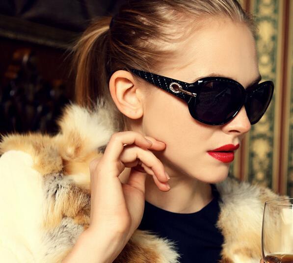 Женские солнцезащитные очки для вождения Diamond 2016 роскошные Брендовая Дизайнерская обувь солнца глаза стеклянные часы очков зеркало очки мо…