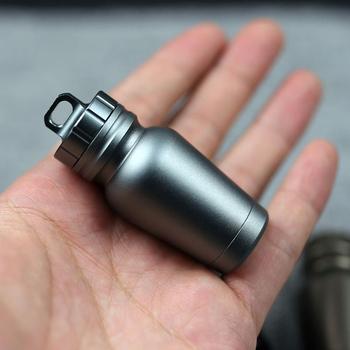 Butelka na pigułki ze stopu aluminium Tablet wodoodporne pudełko przenośny pojemnik podróżny apteczka na pigułki do przetrwania na świeżym powietrzu tanie i dobre opinie Breathleshades Przypadki i rozgałęźniki pigułka aluminum alloy Pill Bottle gray black champagne full length 64 5mm