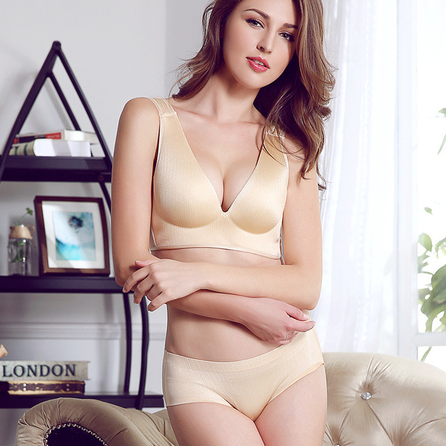 The new small chest seamless steel ring free drawing vest super gather lingerie bra