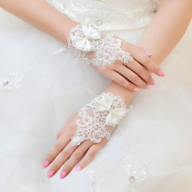 White Ivory Short Wedding Gloves For Bride Fingerless Bridal Gloves Crystals Beaded Bowknot Lace Glove Wedding Accessories JL