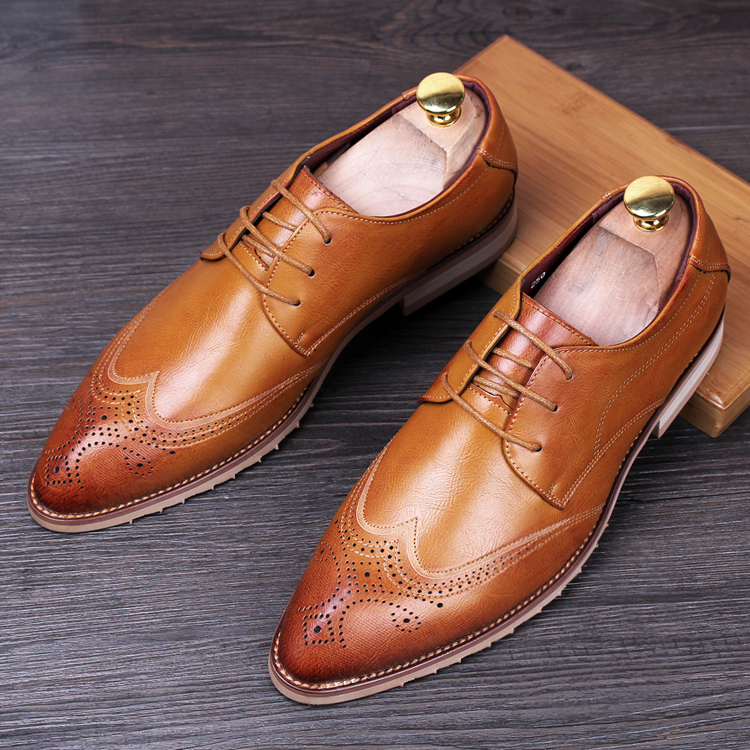 England fashion men breathable wedding party genuine leather brogue shoes print carved bullock oxfords shoe pointed toe zapatos 2016 spring autumn bullock men s oxfords shoes carved leisure shoes fashion retro pointed toe brogue shoes for men